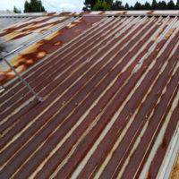 こちらの屋根は錆がすごいです